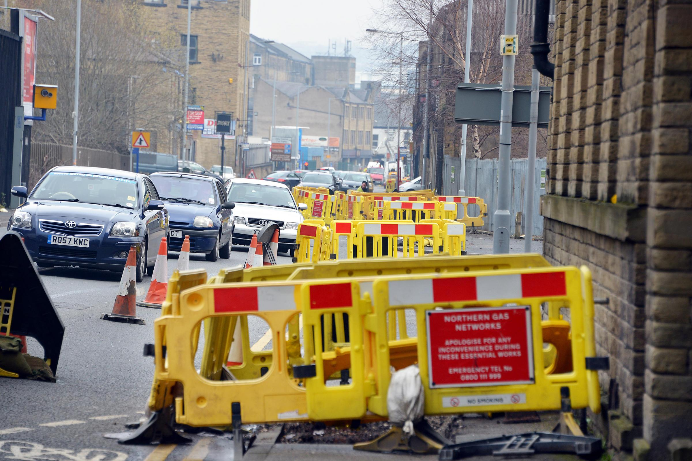 Anger as gas work on major Bradford route continues to cause delays