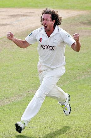 Ryan Sidebottom took a wicket with his third ball of the season