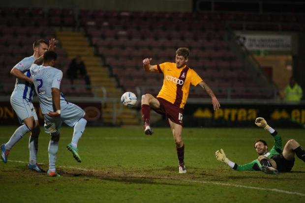NO WAY PAST: Jon Stead has keeper Joe Murphy beaten at last but, unfortunately, he is thwarted by Coventry's last line of defence with the goal beckoning