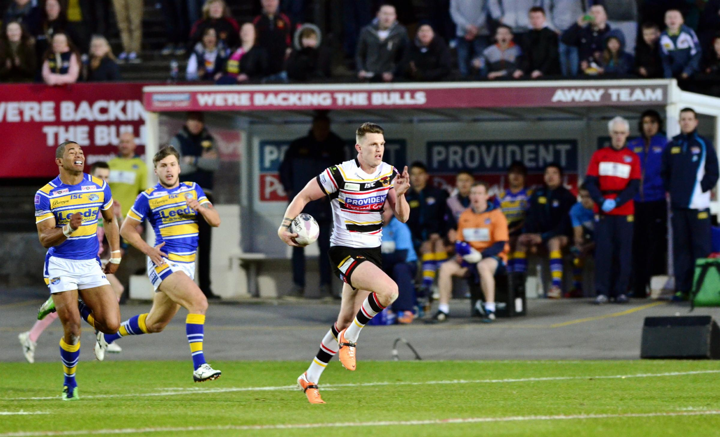 Bradford Bulls blown away by rivals Leeds Rhinos during 15 minutes of hell