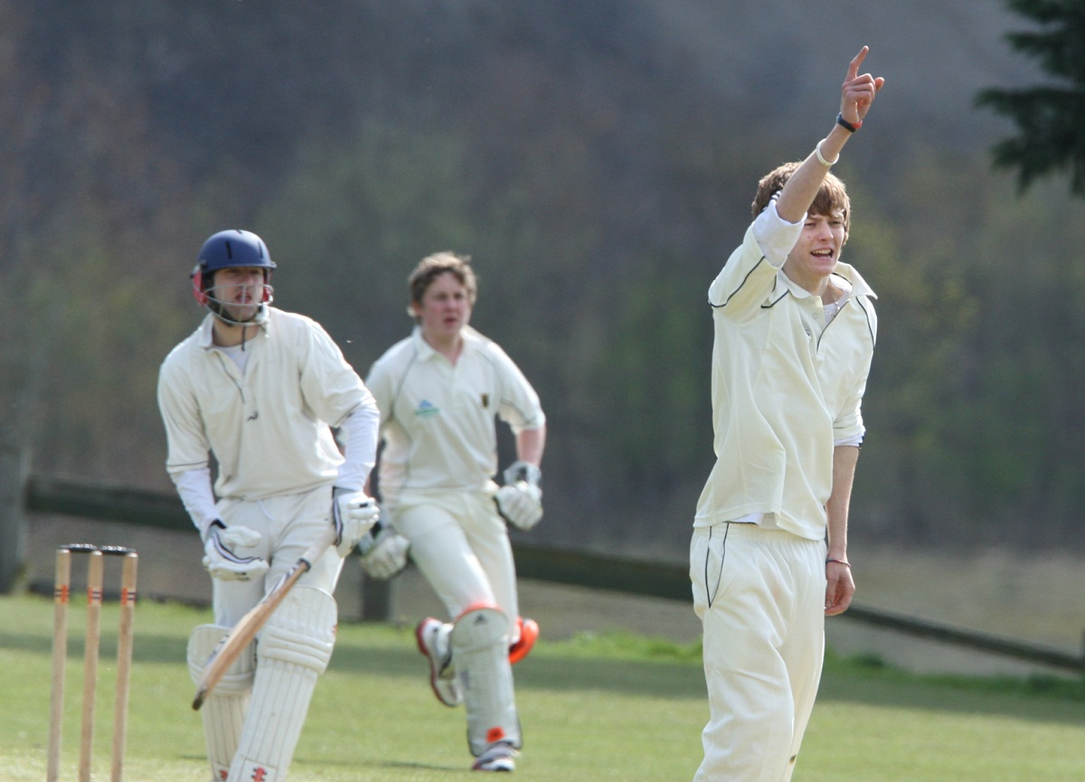 Oakworth happy to win low-key match of the day