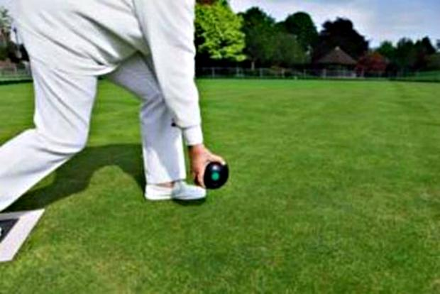 Bradford bowlers edge past Halifax to remain unbeaten