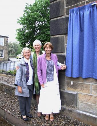 Pastor William Gale's three granddaughters, Ros Hay, Stella Imong and Felicity Gibling, are pictured unveiling the plaque