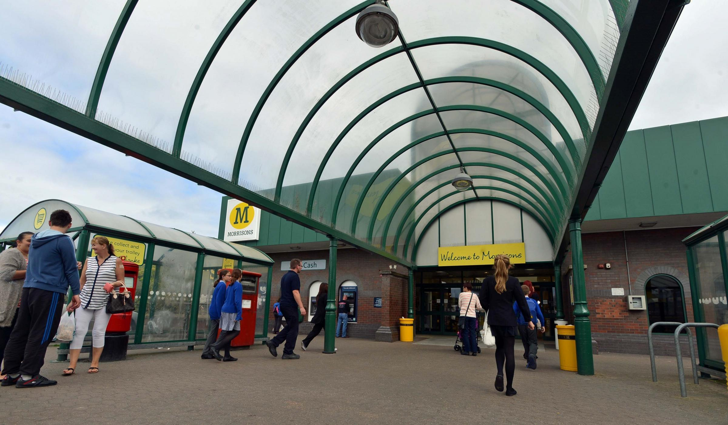 Morrisons has stopped accepting £2 coins at some of its self-service checkouts.