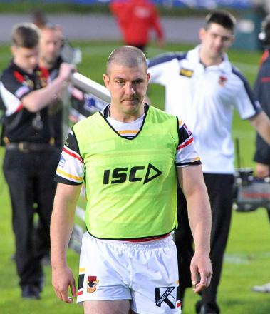 Caretaker coach Matt Diskin leaves the pitch at the final whistle after the Bulls' home defeat to Hull KR