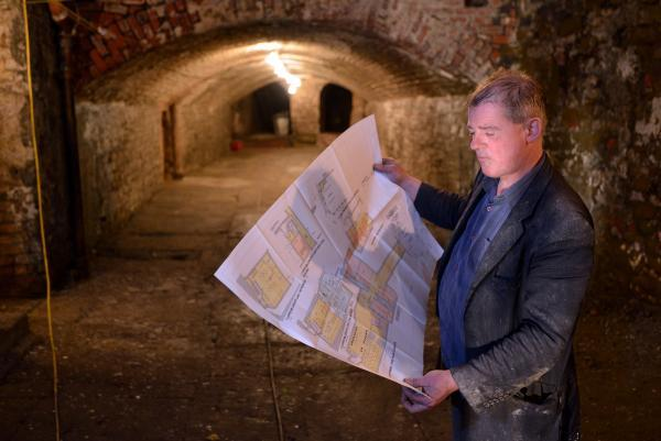 Graham Hall shows plans of the Bradford Tunnel Project