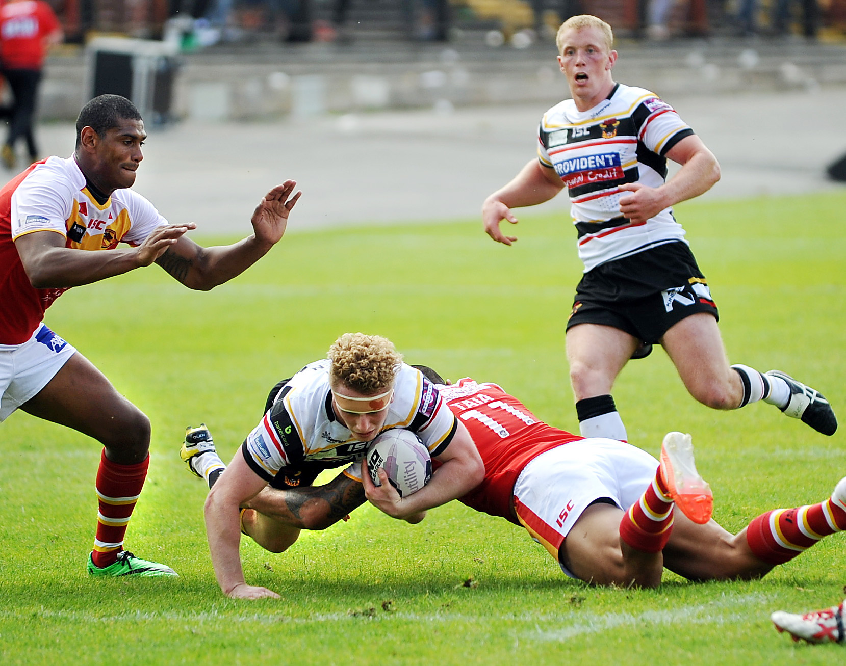 Plenty of positives for Lowes but defeat sends Bradford Bulls closer to the drop