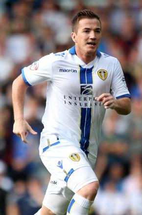 Ross McCormack has left Leeds to join Fulham on a four-year deal