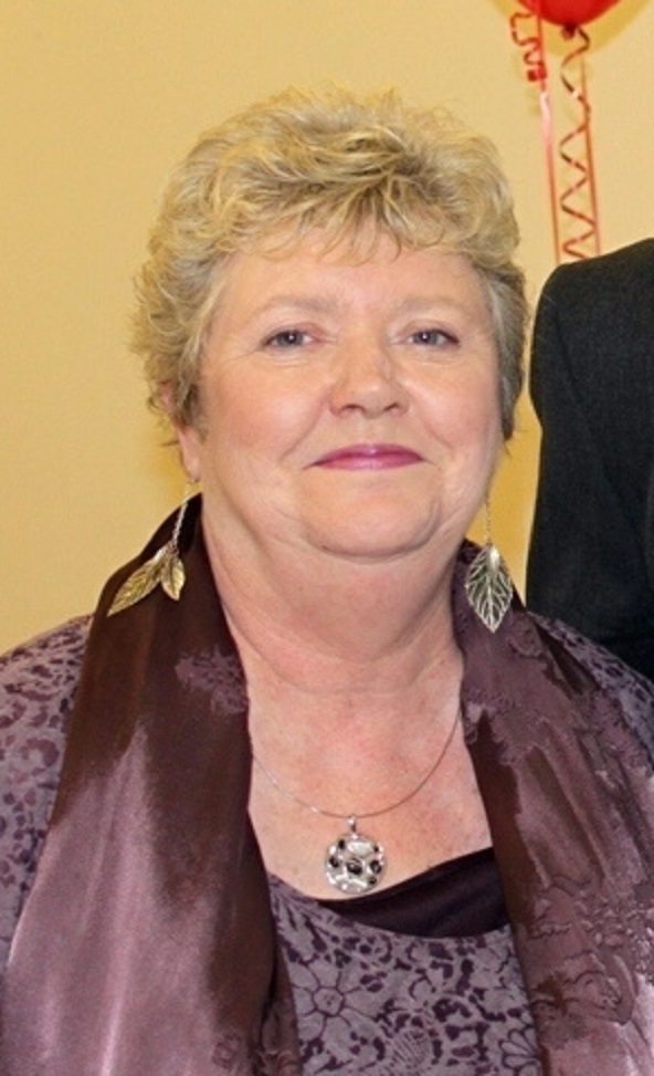Emotional tributes have been paid to Councillor Lynne Smith, who has died today
