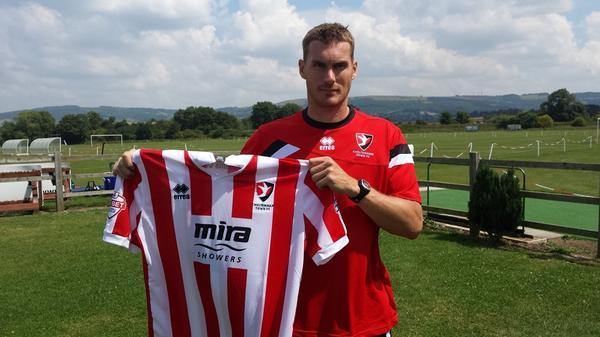 Matt Taylor has agreed to join Cheltenham Town on a two-year deal