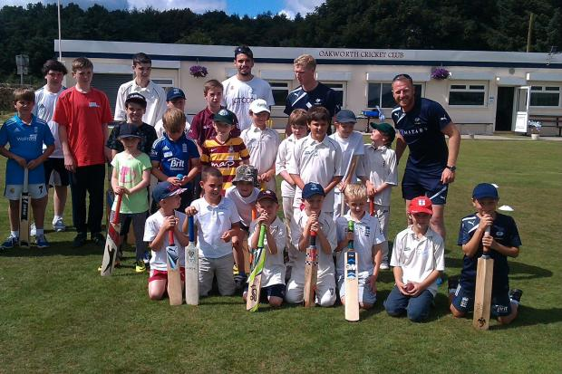 Andrew Gale and the Pro Coach Academy students at Oakworth CC