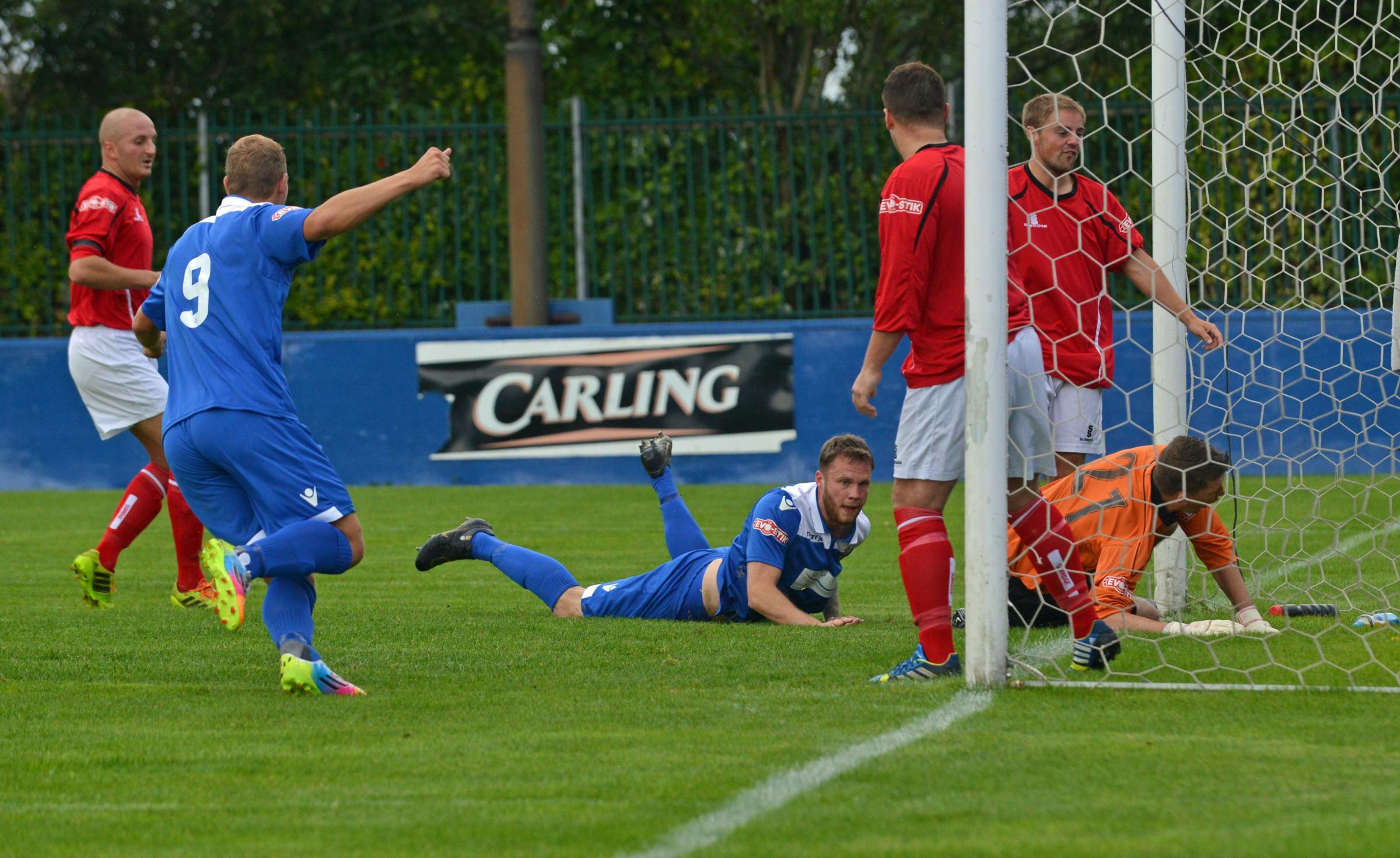 Savory and Harris double up as Farsley go nap