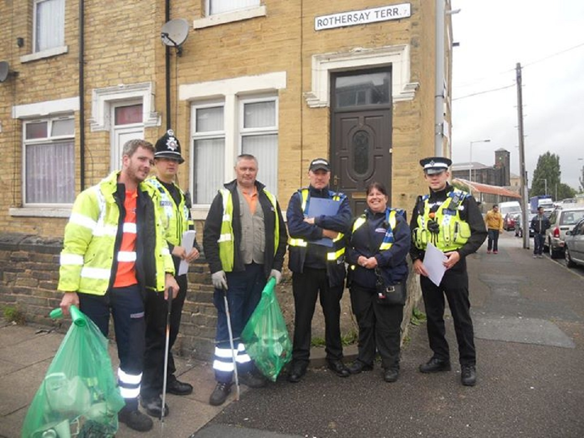 PC Russell Lee and PCSO Josh Wilson with Council wardens and the clean team