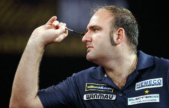 Local darts players will get the chance to have a crack at Scott Waites