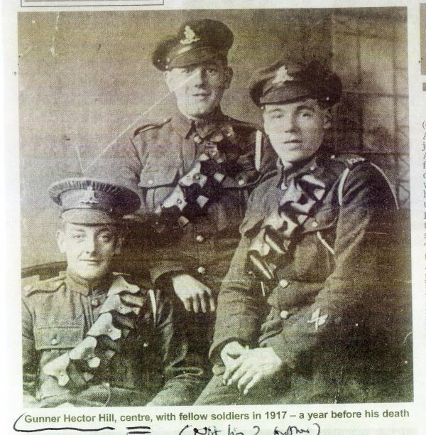 Gunner Hector Hill (centre) with fellow soldiers in 1917