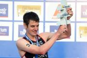 Jonny Brownlee with the leader trophy after his win in Auckland put him top of the world rankings. Picture by: Delly Carr/ITU Media
