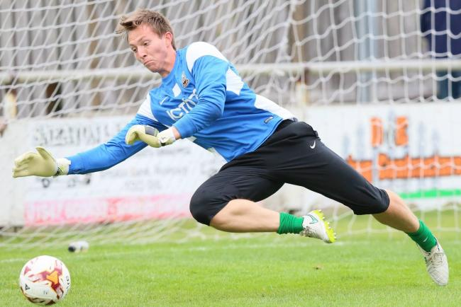 Bantams keeper Joe Cracknell has joined Avenue on loan until January