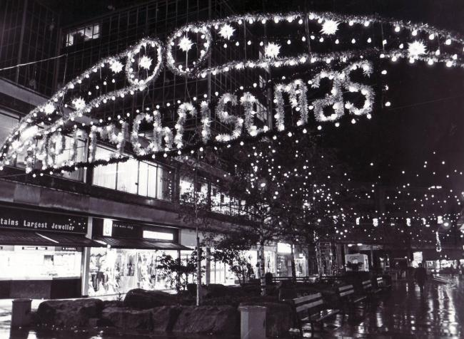 90s Christmas Lights.Nostalgia 20 Pictures Of Bradford At Christmas From The