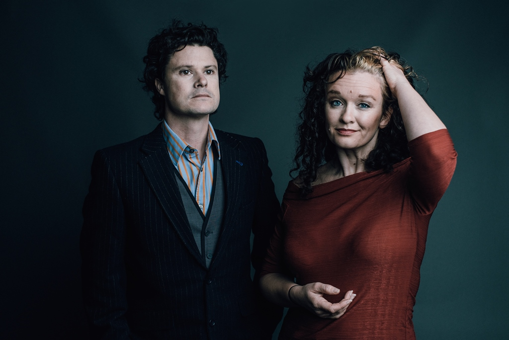 Kathryn Roberts and Sean Lakeman Play Barnoldswick Music and Arts Centre