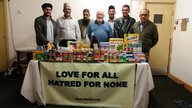 Ahmadiyya Muslim Association donates goods to the Keighley Salvation Army foodbank