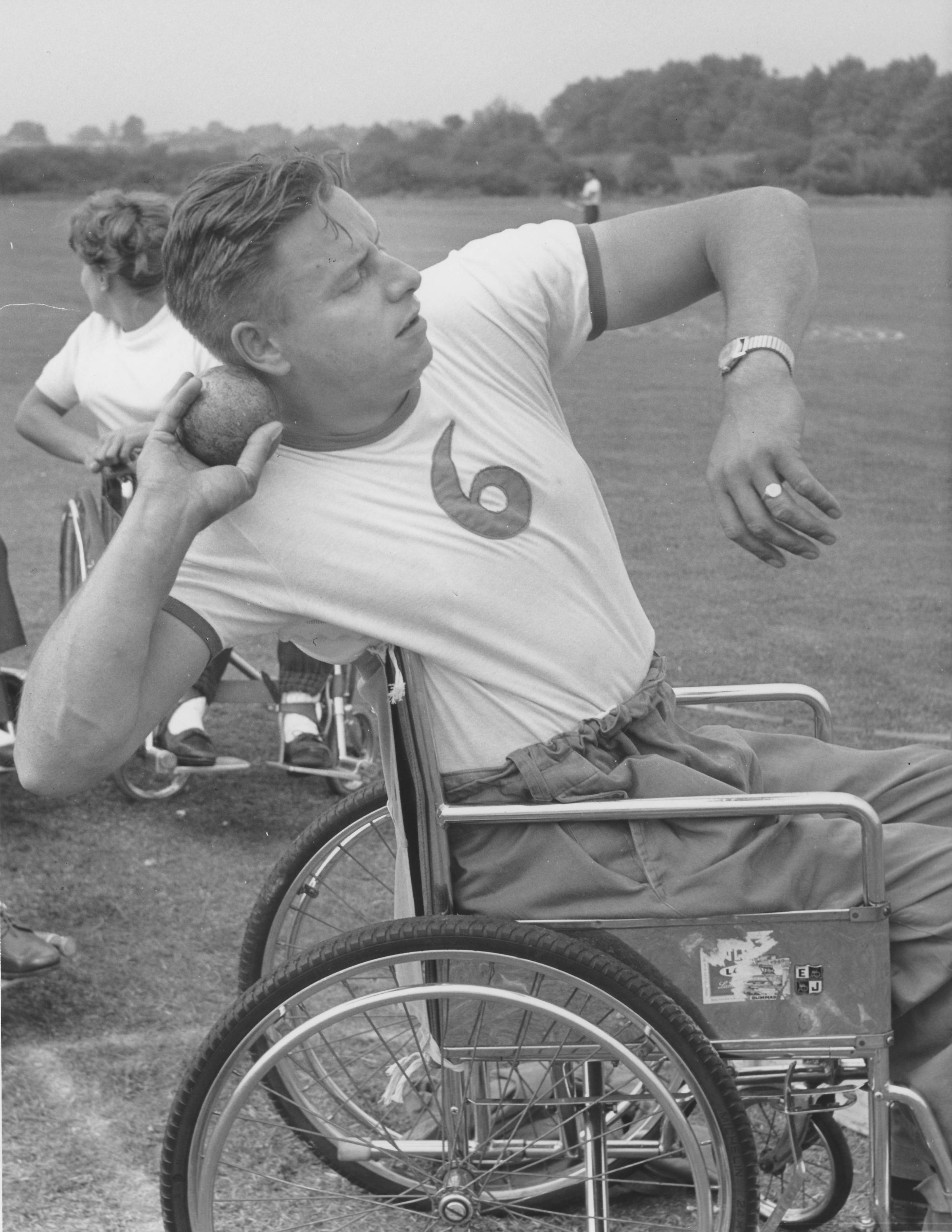 Shot Put image of Dick Thompson, courtesy of Wheelpower