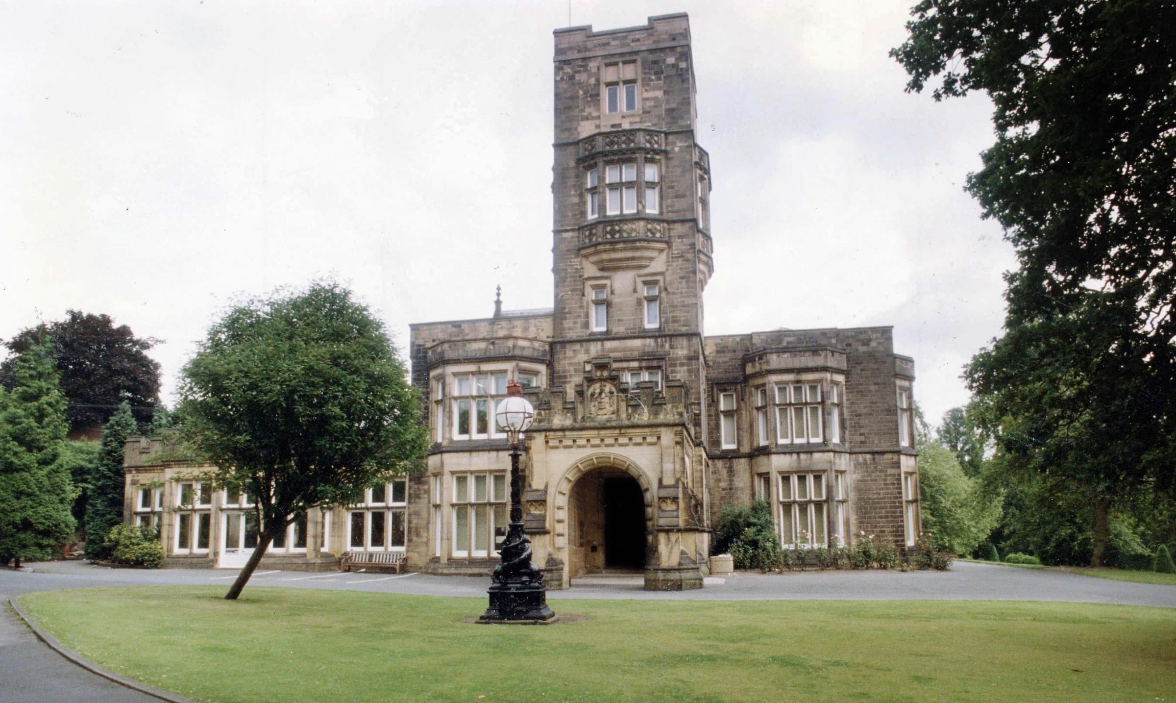 Cliffe Castle Museum and Park in Keighley