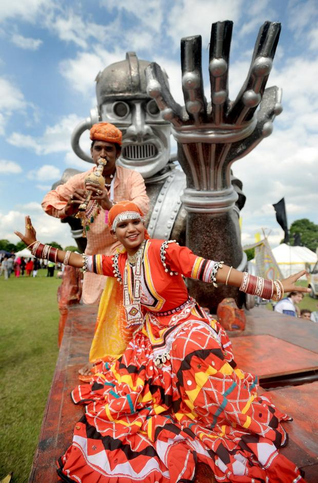 Babu Calwa and Shonja Nat perform at the Mela