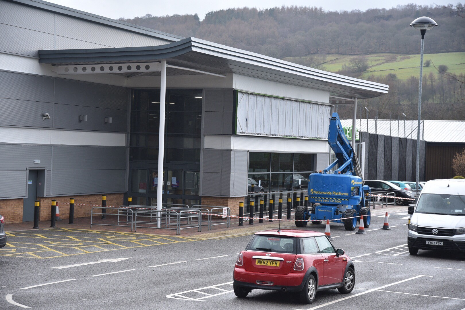 B&M to open in Crossflatts - despite needing planning permission to sell some of its goods