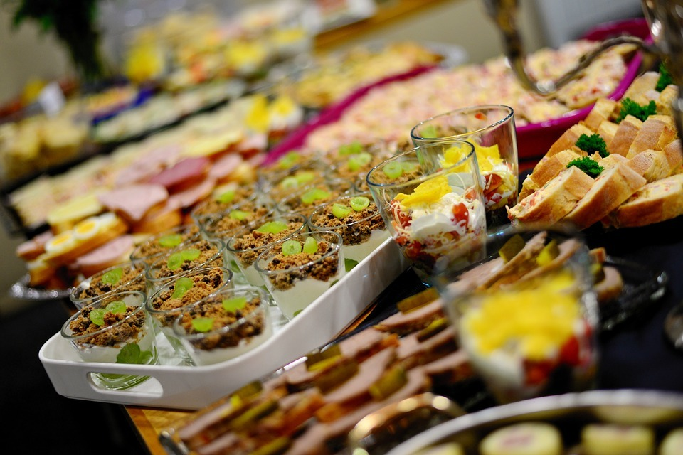 They say you consume 5,000 calories on the first day of an all-inclusive holiday. Picture: Pixabay
