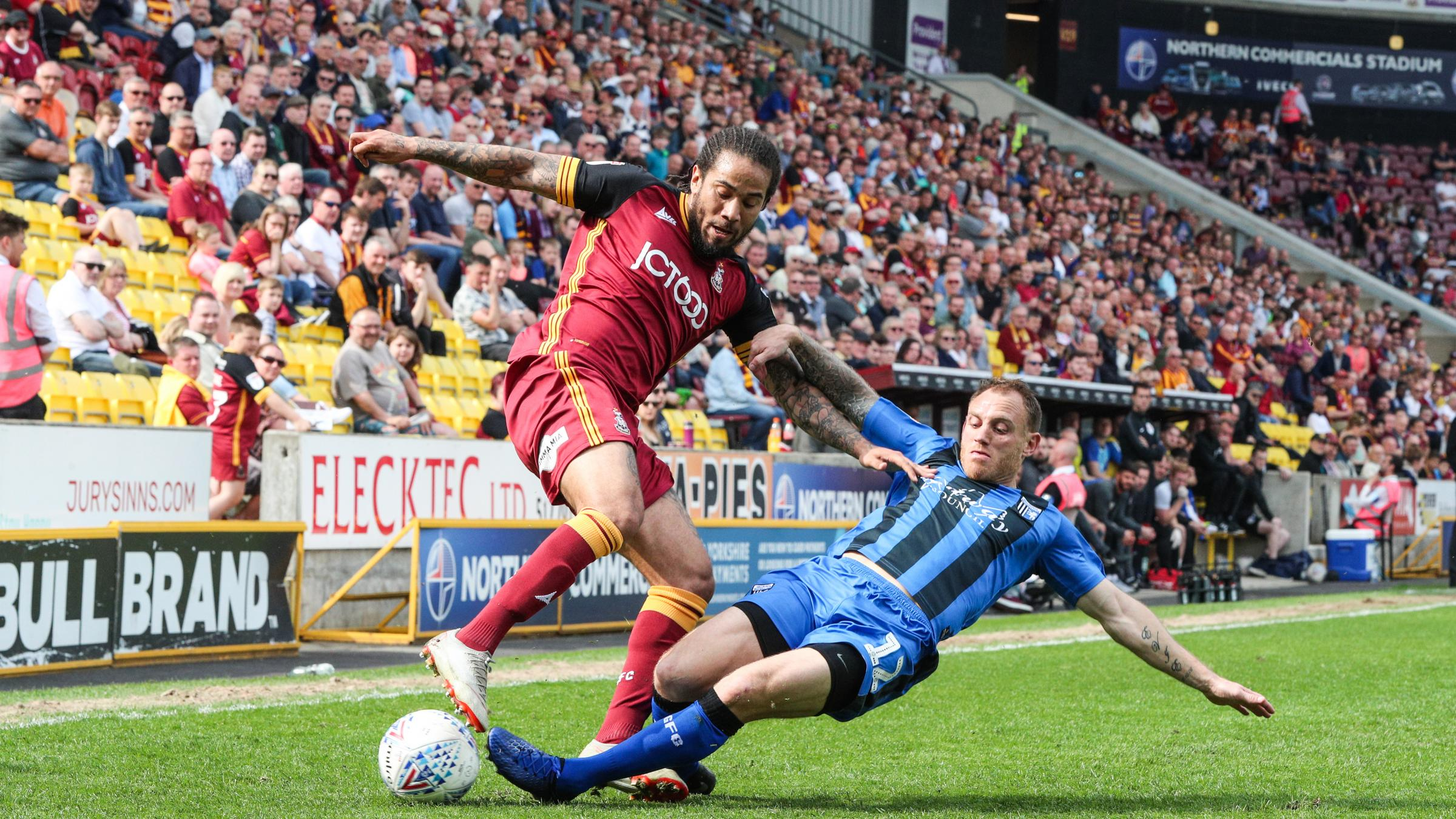 Sean Scannell, left, in action against Gillingham. Picture: Thomas Gadd